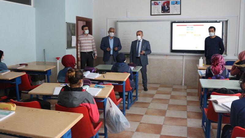 İl Milli Eğitim Müdürü Murat Demir'in Okul Ziyaretleri Devam Ediyor