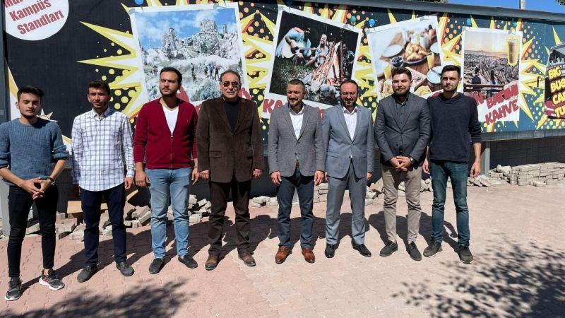 AK Parti Gençlik Kolları'ndan Üniversitelilere Kapıda Karşılama