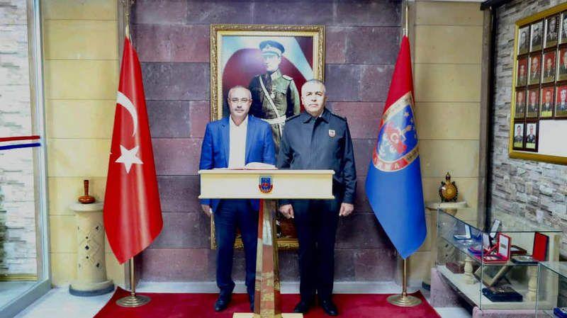 Meclis Başkanı Dinç'ten Komutan Yakın'a Hayırlı Olsun Ziyareti