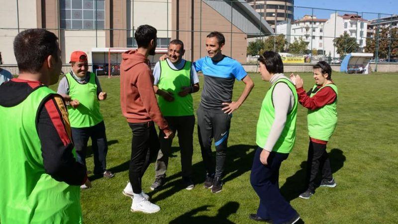 Özel İnsanlarla Özel Futbol Müsabakası