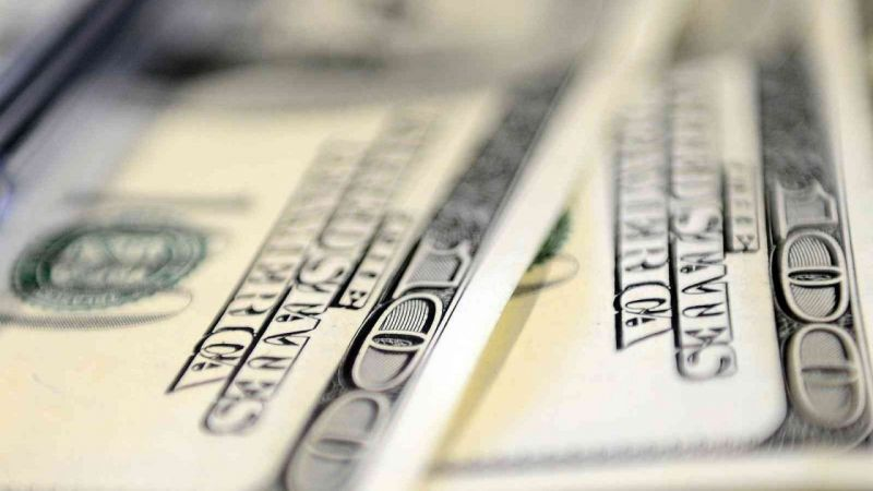 Euro ve Dolar Durmak Bilmiyor