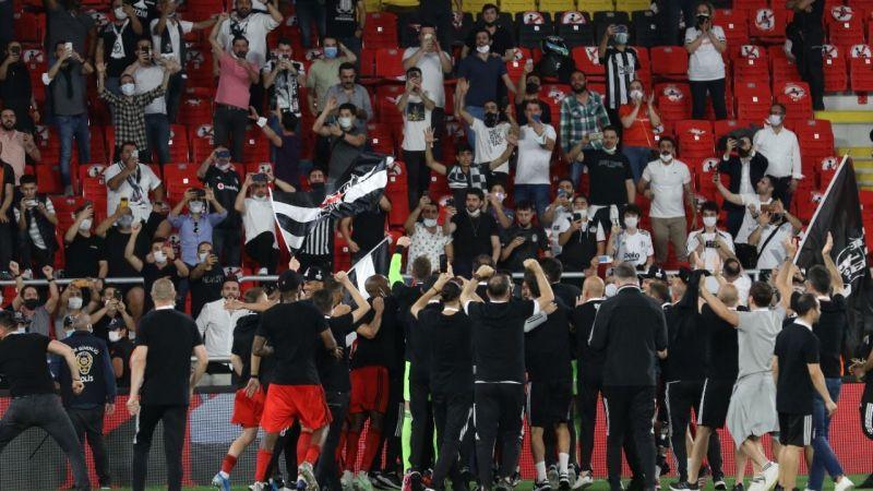 Beşiktaş kupayı alınca Fenerbahçe'ye gün doğdu