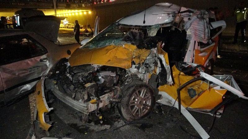 Feci kaza: 2 ölü, 8 ağır yaralı