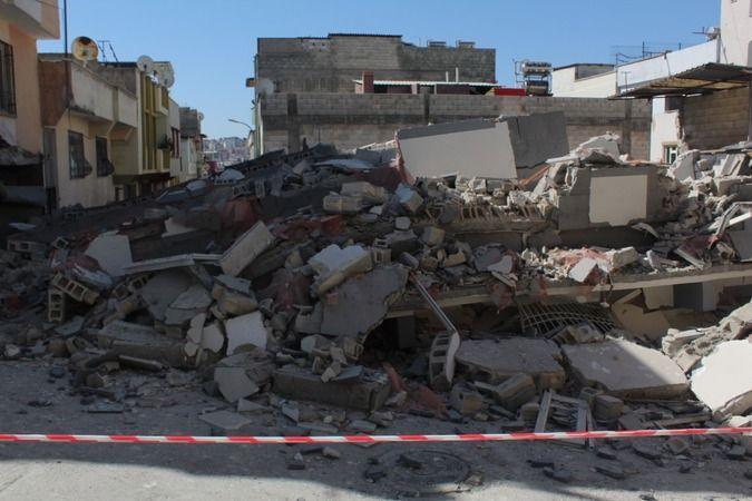 Olacak iş değil... Gaziantep'te yeni yapılan 5 katlı bina çöktü