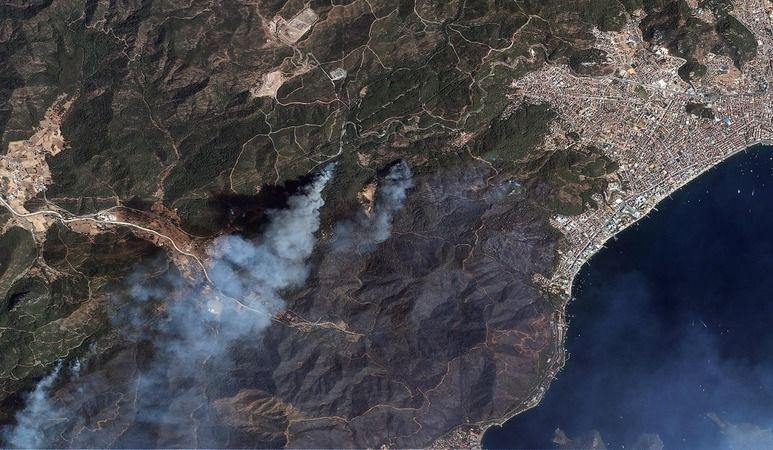 Türkiye'de çıkan yangın uzaydan görüntülendi