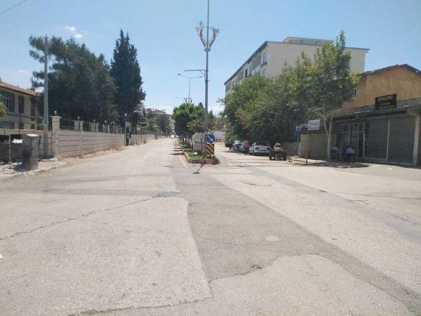 Gaziantep'in ilçesinde vatandaşlar sıcaktan kaçacak yer arıyor