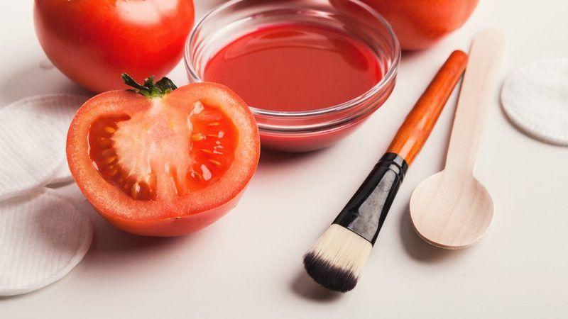 Hanımlar güzelliğinizin sırrı domates olacak