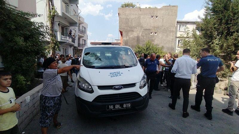 Akıl hastanesinden belediyeye ait çakarlı araçla kaçtı, polis ekipleri kovaladı