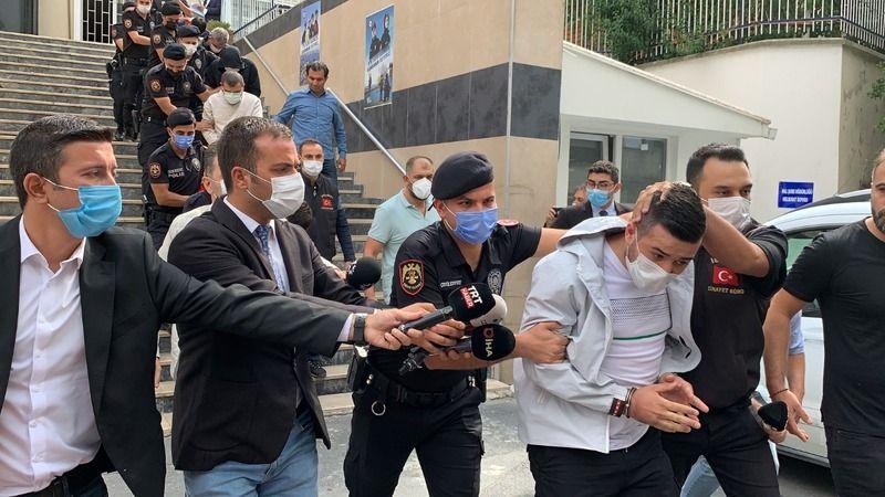Polis merkezi önünde silahlı kavga