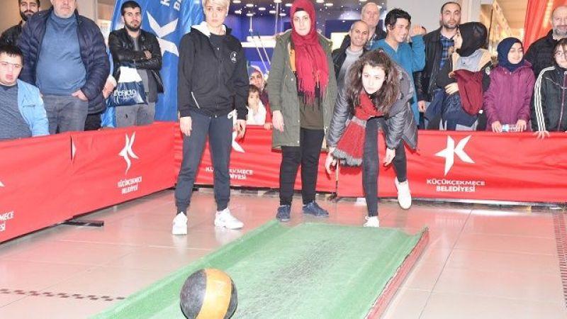 Küçükçekmece'de bowling heyecanı