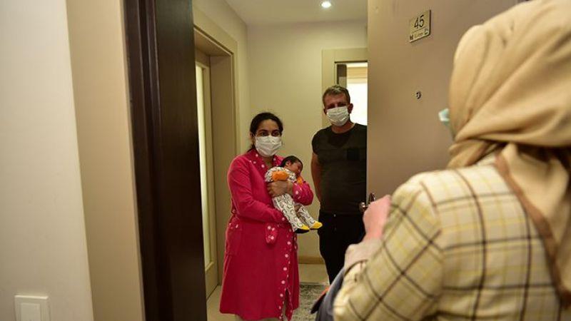 Tuzla'da 2021 Yılında Doğan İlk Bebeklere 'Bebek Seti' Verildi