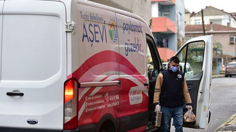 Tuzla'da Her Gün İhtiyaç Sahibi 2 Bin Kişiye Sıcak Yemek