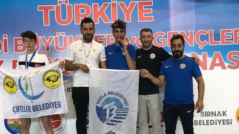 Türkiye Ferdi Kick Boks Şampiyonası'na Tuzla Belediyesi Sporcuları Damga Vurdu