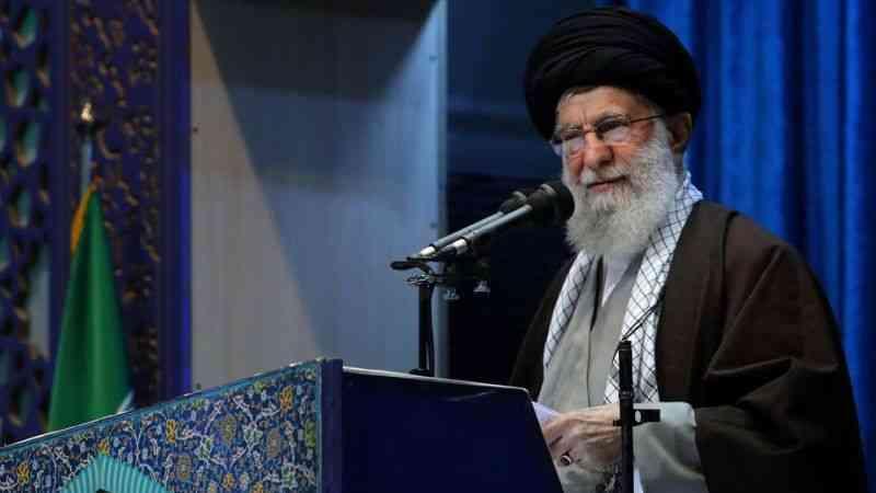 İran dini lideri Hamaney'den ABD Başkanı Trump'a palyaço benzetmesi