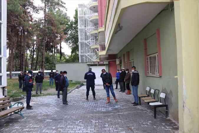Burdur'da serinlemek için sulama göletine giren iki kuzen boğuldu