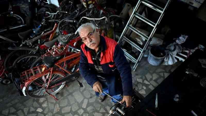 Yarım asırdır aşkla motosiklet tamir ediyor