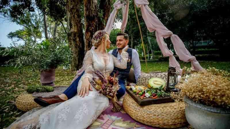 """Rus çift, """"izole düğün"""" için Antalya'yı tercih etti"""