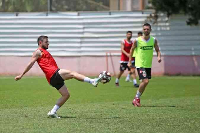 """Adanaspor'un genç oyuncuları """"ateş hattından"""" kurtulma inançlarını kaybetmedi"""