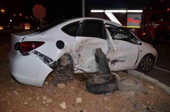 Kahramanmaraş'ta iki otomobil çarpıştı: 8 yaralı
