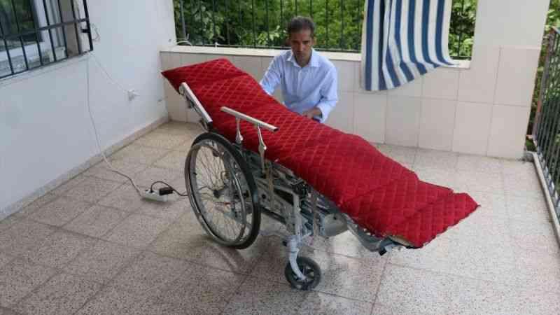 Babası için yaptığı tekerlekli sandalyenin başkalarına umut olmasını istiyor