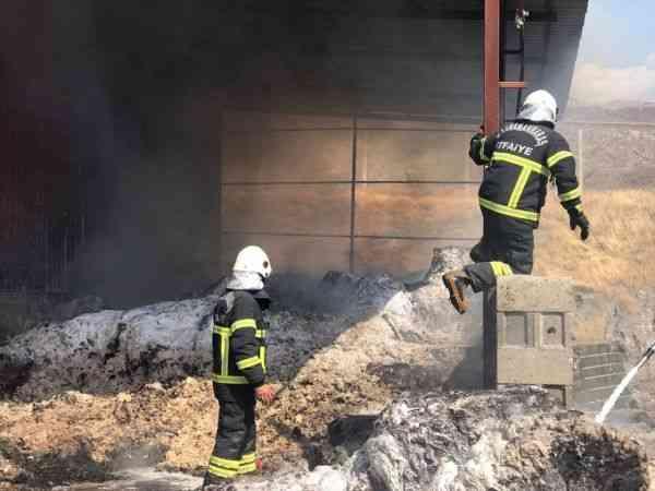 Kahramanmaraş'ta tekstil fabrikasında çıkan yangın hasara neden oldu