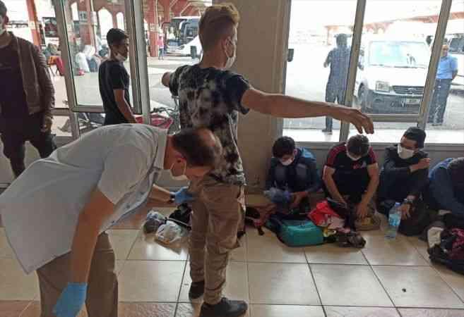 Adana merkezli 4 ilde göçmen kaçakçılığı operasyonu: 6 gözaltı