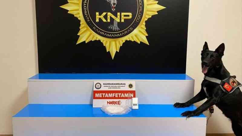 Televizyon içinde uyuşturucu sevkiyatı yapmaya çalışan 2 kişi tutuklandı