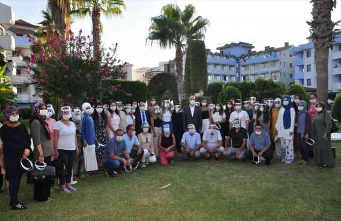 Kadın çalışanların sorunları Antalya'daki toplantıda ele alındı