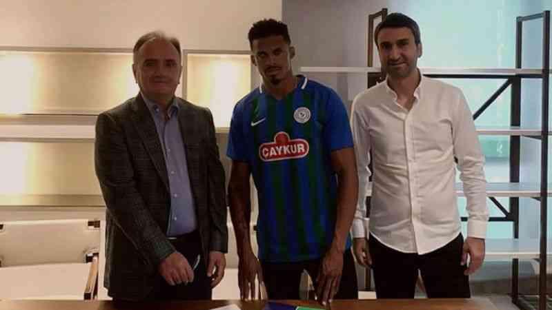 Çaykur Rizespor, Fabricio Baiano ile anlaştığını duyurdu