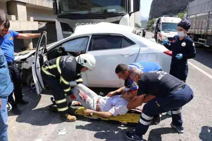 Adana'da zincirleme trafik kazası: 1 ölü, 3 yaralı