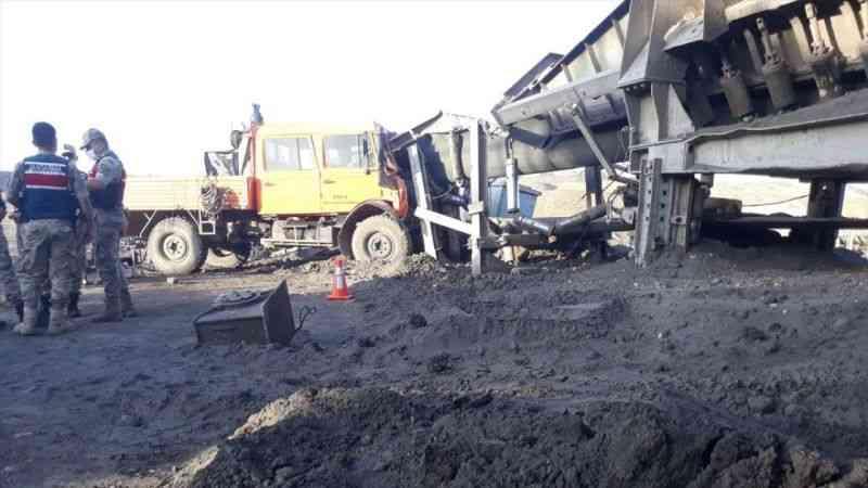 Kahramanmaraş'ta freni boşalan kamyonet kömür bandına çarptı: 1 ölü, 7 yaralı