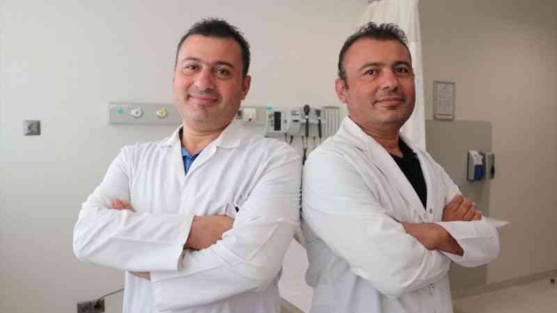 Tek yumurta ikizi doktorlar şifa dağıtıyor