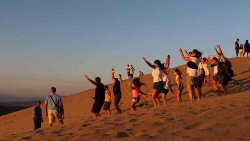 Patara'nın kum tepeleri turistlere çöl deneyimi yaşatıyor
