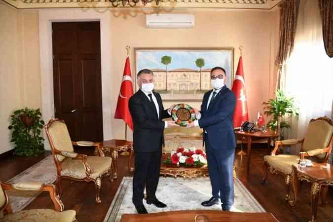 Antalya Valisi Yazıcı, Ukrayna'nın Antalya Konsolosu Rustamov'u kabul etti