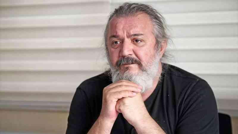 Sanatçı Müfit Can Saçıntı dizi ve film sektörünü değerlendirdi