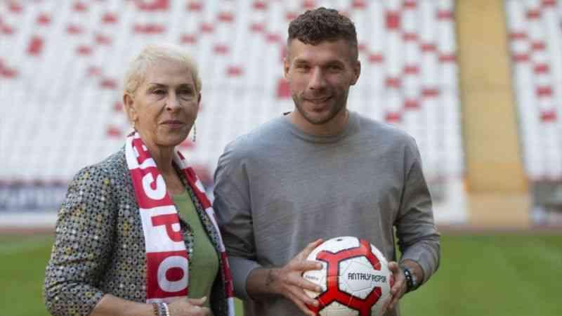 Antalyasporlu Podolski'nin yer aldığı Patara tanıtım videosunun lansmanı yapıldı