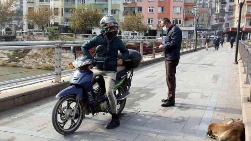Hatay'da yaya yollarında araç kullanan 21 sürücüye 6 bin 48 lira ceza