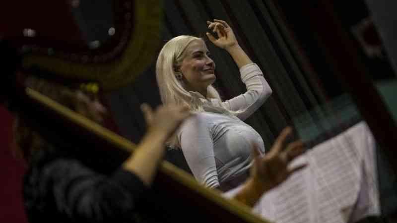 Opera sanatçıları kadınların mücadelesini sahneye taşıdı