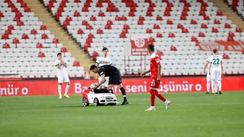 Beşiktaş'ın rakibi Fraport TAV Antalyaspor oldu