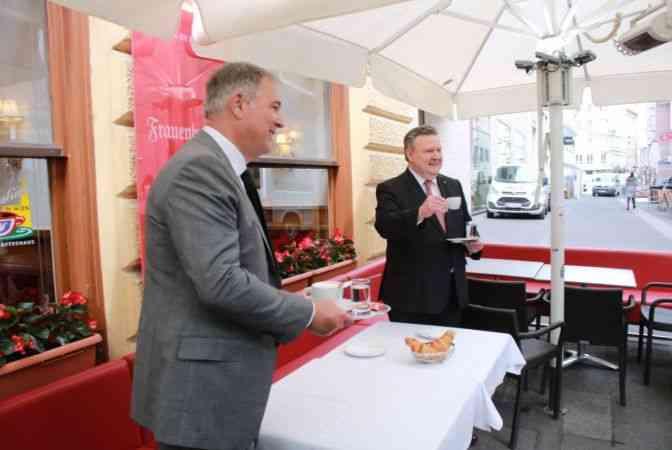 Avusturya'da Kovid-19 tedbirleri gevşetiliyor: 7 ay sonra restoranlar açıldı