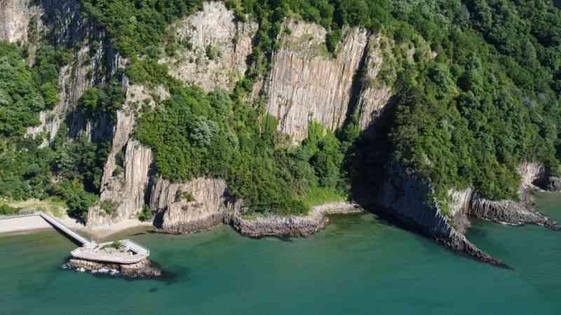 Türkiye'nin 80 milyon yıllık lav sütunları turistleri bekliyor