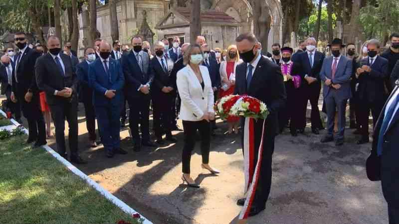 Polonya Cumhurbaşkanı Duda, Rychlewicz onuruna dikilen anıt taşının açılışını yaptı
