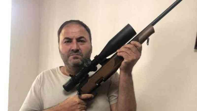Bakan Soylu'ya destek için silahla poz veren öğretmene inceleme başlatıldı