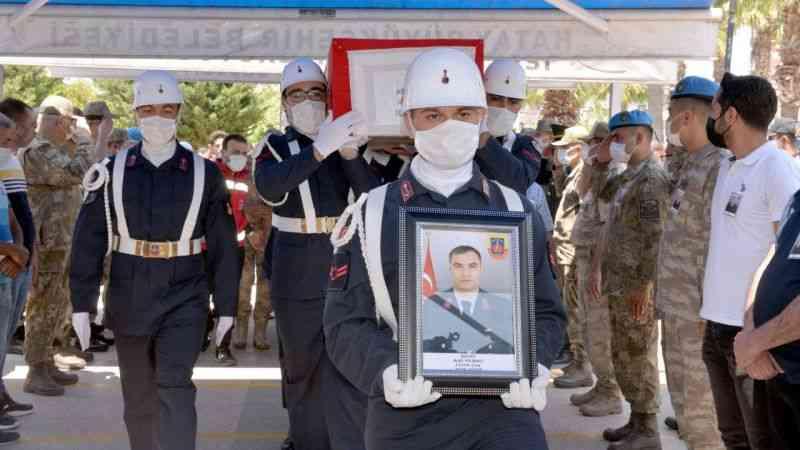 Şehit Uzman Çavuş Adil Yılmaz son yolculuğuna uğurlandı