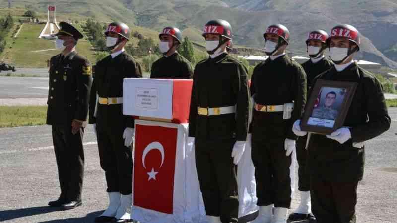 Şehit Muhammed Ali Akın için Hakkari'de uğurlama töreni