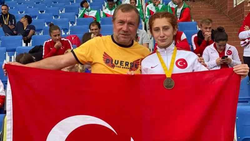Özel sporcu Muhsine Gezer dünya şampiyonu