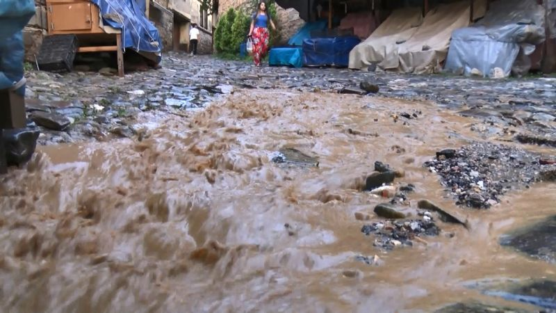 Bursa'da dolu yağışı hayatı olumsuz etkiledi