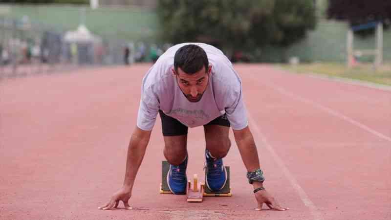 """""""Tek kulak"""" yaşamayı öğrenen milli atlet Buğrahan, olimpiyat hedefine koşuyor"""