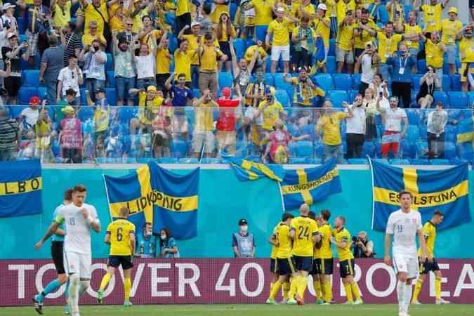 İsveç, E Grubu'nda liderlik koltuğunda oturmaya devam etti