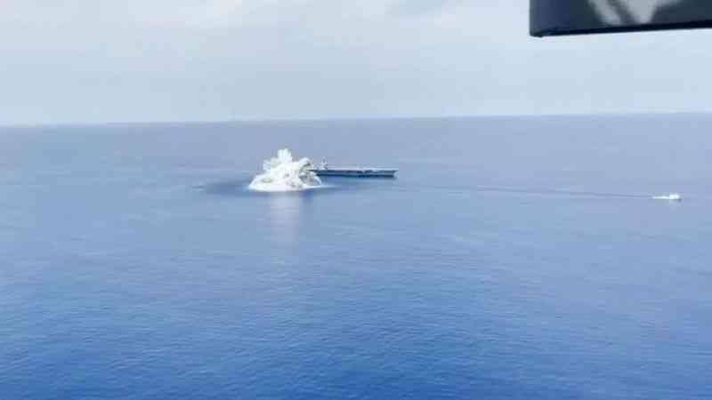 ABD Donanması, uçak gemisinin dayanıklılığını ölçmek için 18 tonun üzerinde patlayıcı kullandı